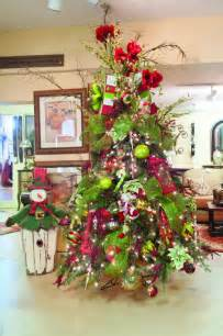 tree decorating services traditional christmas trees cincinnati by sacksteder s interiors