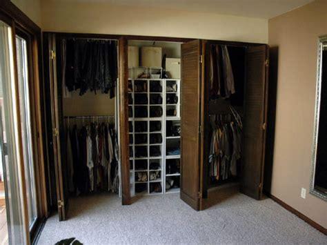 how to build a closet into the corner of a room how tos