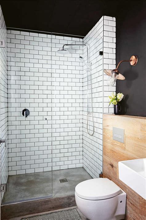 wow  bold   mix  materials black walls white