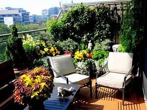 Wann Balkon Bepflanzen : fr hjahr ist pflanzzeit welche blumen in balkonk sten pflanzen ~ Frokenaadalensverden.com Haus und Dekorationen
