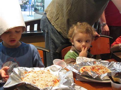 quality time mom kids birthday party  california pizza