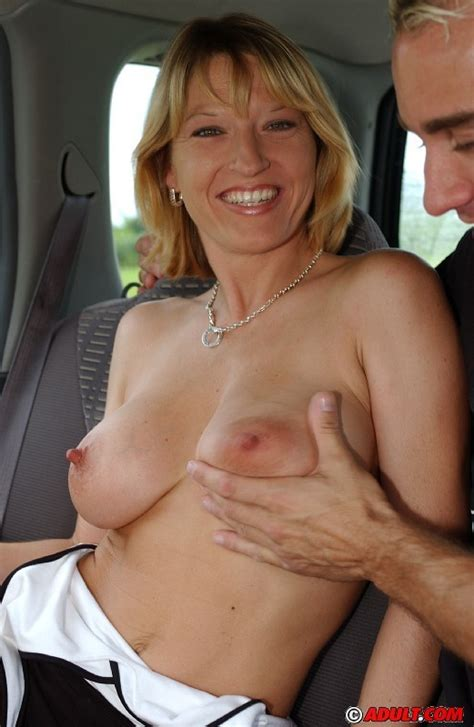 Sex Starved Blonde Milf Giving Incredible Head On The Backseat Pichunter