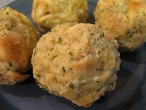 Recipe for German Bread Dumplings Uses Day-Old Bread