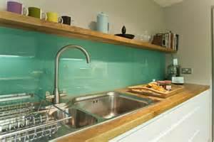glasfliesen küche schöne küchenrückwand 25 coole ideen für ihre küche