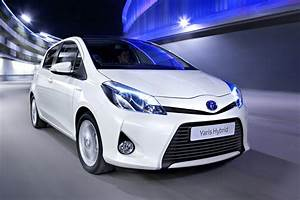 Toyota Yaris Dynamic Business : essai vid o de la toyota yaris hybrid 100h dynamic f vrier 2013 ~ Medecine-chirurgie-esthetiques.com Avis de Voitures