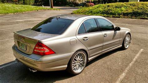 Estää veden pääsyä auton sisään. Mercedes-Benz W203 C55 AMG | BENZTUNING