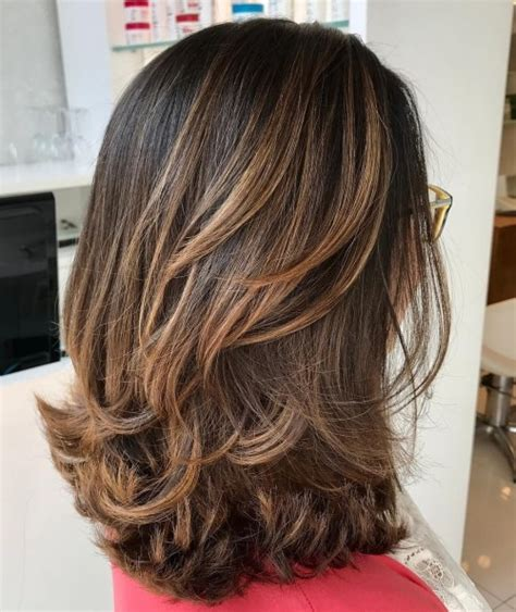 how to style medium layered hair 70 brightest medium length layered haircuts and hairstyles