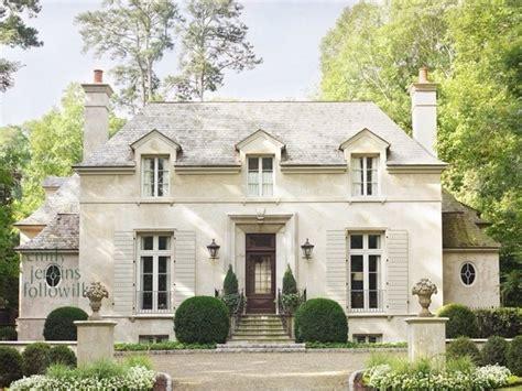 外観のデザイン。欧米の家と日本の家との大きな違いのひとつが外観のデザインの考え方です。日本の家… プロが教える注文