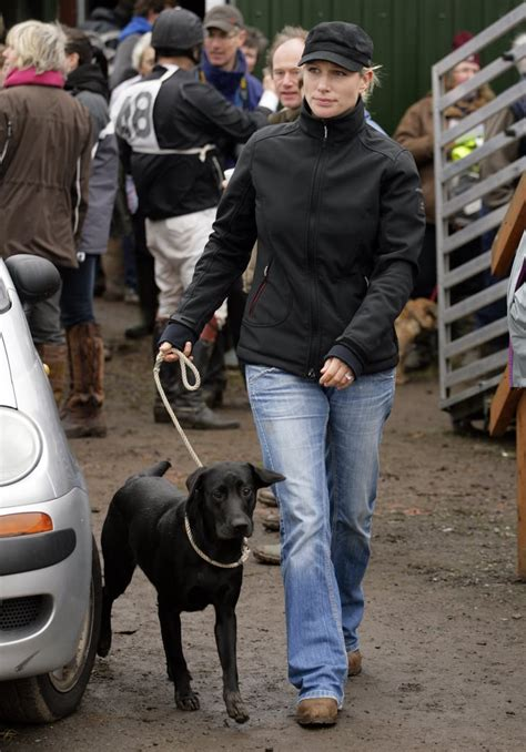 Zara Phillips With Pepper the Black Lab | Pictures of ...