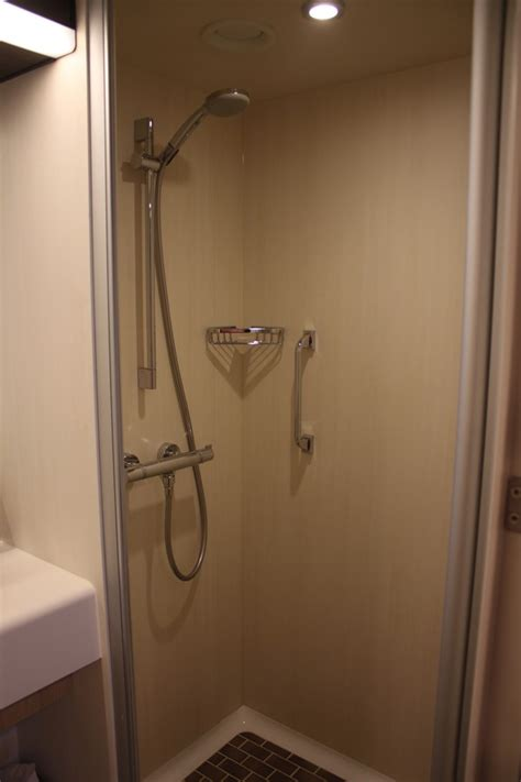 photo   category  large interior stateroom