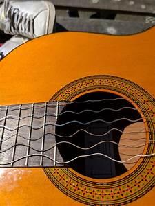 Wavelengths Of Guitar Strings Captured On Camera