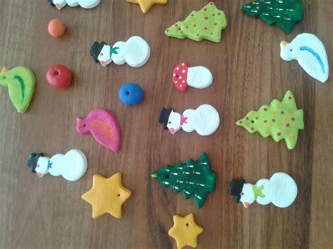weihnachtsbaumschmuck basteln mit kindern weihnachtsbaumschmuck aus salzteig herbst basteln weihnachtsbaumschmuck basteln
