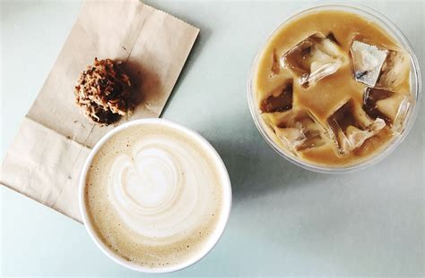 healthy starbucks iced drinks  dietitian recommends