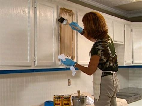 how to paint stained kitchen cabinets white how to glaze cabinets i want to try this our green 9519