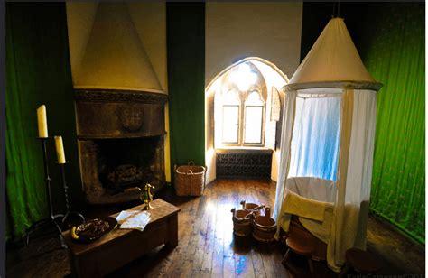 tudor bathing habits dollhouse decorating
