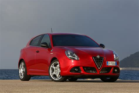 alfa romeo mito and giulietta quadrifoglio verde debut at