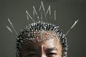 Wei Shengchu displays 1,200 acupuncture needles in his ...