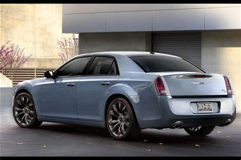 Updated 2018 Chrysler 300s Gets Blacked Out Pictures