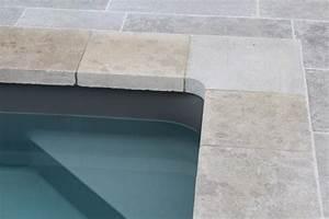 margelle en pierre naturelle piscine pinterest With jardin et piscine design 1 dallage et margelle ambiance contemporaine espaces