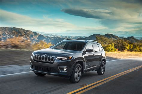 2019 Jeep Cherokee First Drive The Antirav4  Motor Trend