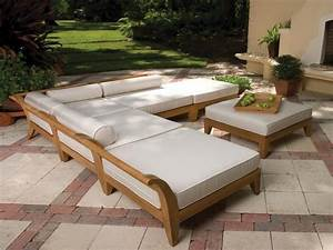 Pallet diy make more patio furniture for less the homes for Homemade lawn furniture