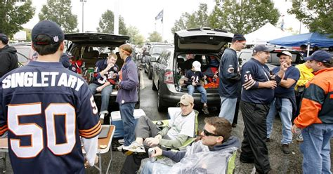 images bears  packers tailgating  soldier field