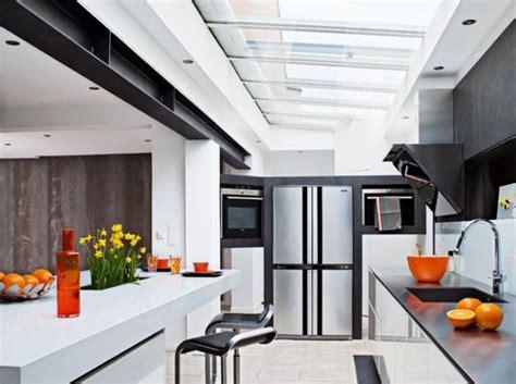 les 25 meilleures id 233 es de la cat 233 gorie plafond de verre sur lumi 232 re de toit toit