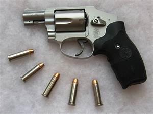 Smith & Wesson Centennial — Wikipédia