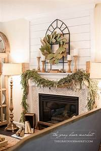 good looking mantel decoration ideas How to Decorate with Winter Decorations for Christmas