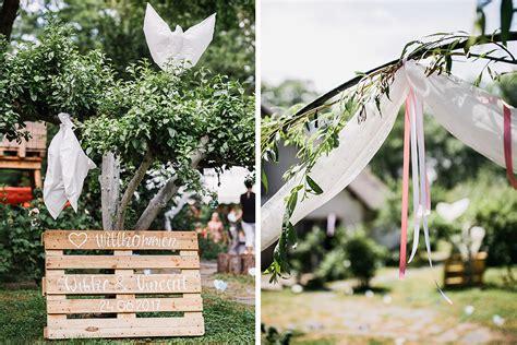 Blumen Hochzeit Dekorationsideenblumen Dekoration Fuer Gartenhochzeit by Dekoration Garten Hochzeit