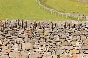 Construire Un Mur En Pierre : mur en pierre s che comment le monter et bien plus ~ Melissatoandfro.com Idées de Décoration