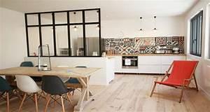 cuisine ouverte delimitee par une verriere ou un ilot bar With deco salon cuisine ouverte