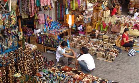 pasar seni ubud bali lokasi jam buka daya tarik