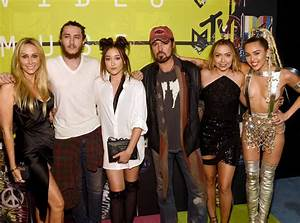 Billy Ray Cyrus Opens Up About Daughter Miley Cyrus ...