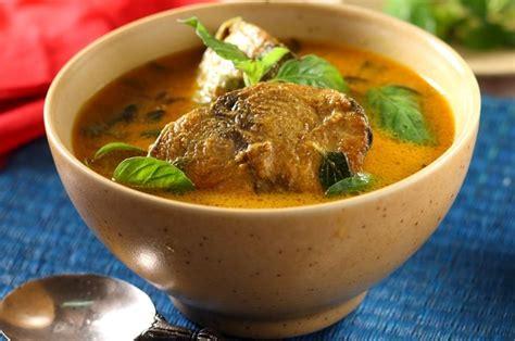 Lumuri ikan dori dengan air jeruk nipis dan garam. Resep Ikan Tongkol Kuah Santan Kuning