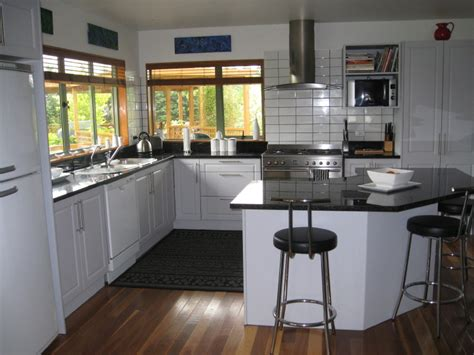 black and white kitchen floor ideas 2010 kitchen and bath styles 9276