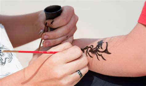 black henna tattoos british skin foundation warns  rise
