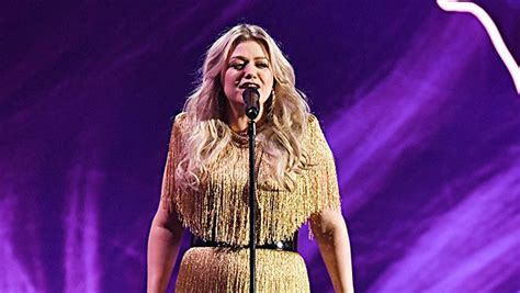 Kelly Clarkson Gets Funky With A Powerful 'Whole Lotta ...