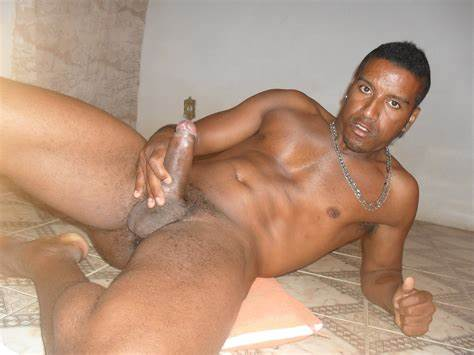 Naked Of This Fascinating Brazilian Latino Daddy Bare