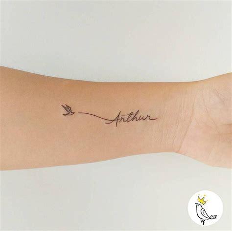 tatouage prénom poignet 15 inspirations pour un tatouage pr 233 nom tattoos fonts et baby