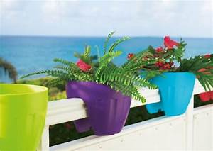 Jardiniere Sur Pied Plastique : jardini re balcon 50 photos pour choisir la jardini re ~ Dode.kayakingforconservation.com Idées de Décoration