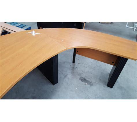 bureau d 39 angle arrondi en bois pieds métallique noir