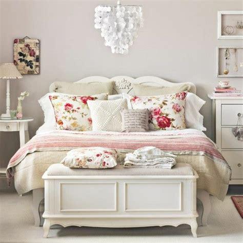 chambre style vintage chambre a coucher en bois blanc mzaol com