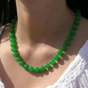 collier jade bijoux femme en pierres semi precieuses With bijoux jade