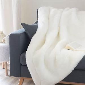 Plaid Fourrure Blanc : plaid en fausse fourrure blanc 150 x 180 cm snowdown ~ Nature-et-papiers.com Idées de Décoration