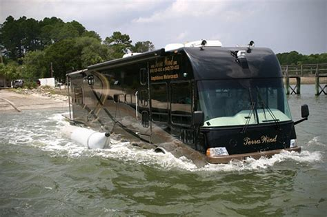 Boat N Rv by Meet The Quot Floaterhome Quot The Rv That Transforms Into