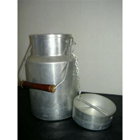 pot 224 lait en aluminium tournus unis brocante