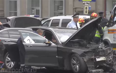 Putin Car Crash by Putin S Official Car Involved In On Crash In Moscow