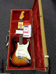 Classic Series  U0026 39 60s Stratocaster U00ae Lacquer Electric Guitar