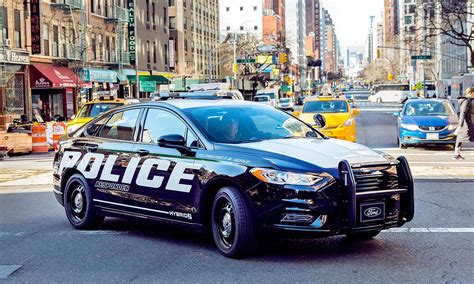 Ford Boosts Police Vehicle Lineup With Pursuit-rated